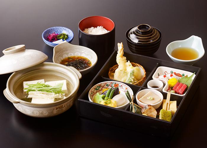 八坂御膳+湯豆腐
