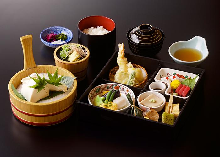 八坂御膳+おぼろ豆腐